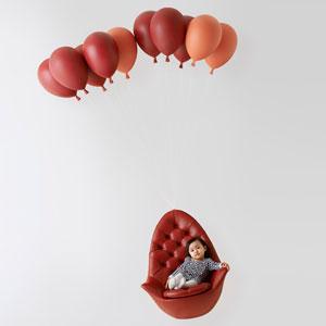 """漂浮在空中的""""气球沙发"""""""