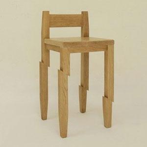 被武士切割的椅子