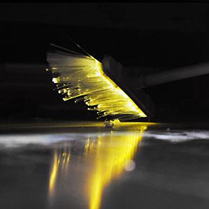 会发光的LED扫帚