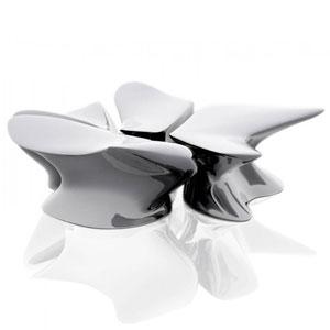 扎哈·哈迪德流动的雕塑椅
